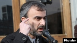 Amenia - Opposition leader Zhirayr Sefilian addresses a gathering in Yerevan's Liberty Square, 20Mar2013.