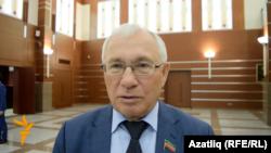 Рәзил Вәлиев