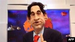 Совсем живой. На фоне пенсионера Ширака новоизбранный президент Саркози выглядет сгустком энергии. Кукла президента в сатирическом телешоу