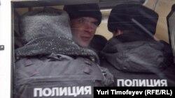 """Задержание участника акции """"Не допустим самозванцев в парламент!"""""""