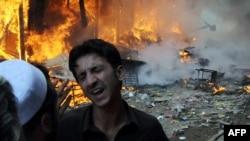Пешаварда эл кайнаган базарда бомба жарылды. 28-октябрь, 2009-ж.