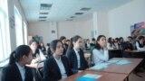 Азия: презервативы в школах