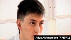 Ербол Адилкожаев, истец, совершивший ДТП. Алматинская область, село Балбык Би, 01 сентября 2011 года.
