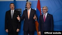UK - U.S. Secretary of State John Kerry meets with the presidents of Armenia and Azerbaijan in Wales, 4Sep2014.