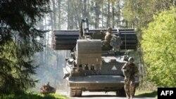 Эстонские военные на учениях близ города Тапа. 22 мая 2017 года. Иллюстративное фото.