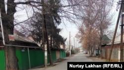 """Түрксіб ауданындағы """"Нұрсая"""" атауына ие болған көше. Алматы, 29 қараша 2017 жыл."""