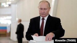 Vladimir Putin na glasanju 8. septembra