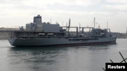 سفينة إيرانية عائدة من سوريا عبر قناة السويس - 21 شباط 2012