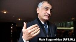 Адвокат Мамуки Хазарадзе называет действия следственных органов абсурдом