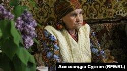 Пакізе Сейтосманова у своєму будинку в Криму