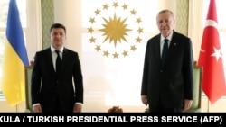 Владимир Зелеснкий жана Режеп Тайып Эрдоган.
