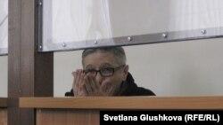 Пастор Бақытжан Қашқымбаев сотта отыр. Астана, 13 ақпан 2014 жыл.
