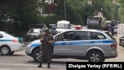 Після нападу посилені заходи безпеки в Алмати тривали ще кілька днів, фото 20 липня 2016 року