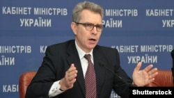 "U.S. Ambassador to Ukraine Geoffrey Pyatt urged Ukraine to exploit its rich lands and become an agricultural ""superpower."""
