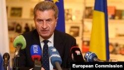 Представитель Еврокомиссии по энергетике Гюнтер Эттингер