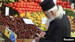 Ќе биде потребна божја помош за излез од грчката криза.