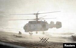 Совместные российско-белорусские военные учения «Запад-2013» в Балтийском море. Россия, Калининградская область, сентябрь 2013 года