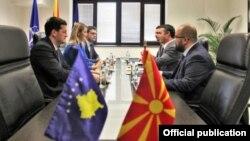 Министерот за надворешни работи Димитров се сретна со министерот за европски прашања на Косово Зурата Хоџа.