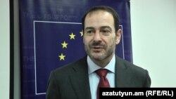 Втоми від України в ЄС немає, наголошує Люк Девінь