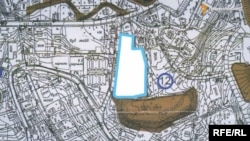 This map shows the proximity of Poroshenko's property to the 18th-century fortress.