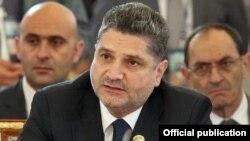 Տիգրան Սարգսյանը ԱՊՀ-ի վարչապետների հանդիպման ժամանակ, արխիվ