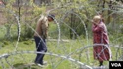 Задержания жителей грузинских сел в зоне конфликта имеют сезонный характер: это часто происходит в мае, в период сбора нераспустившихся цветов джонджоли, и в ноябре, когда запасаются дровами.
