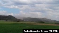 Архивска фотографија од минатата година - Прашина се крева од депонијата со пепел на Рударско-енергетскиот комбинат Битола.