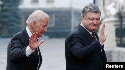 Петро Порошенко і Джо Байден, Київ, 16 січня 2017 року