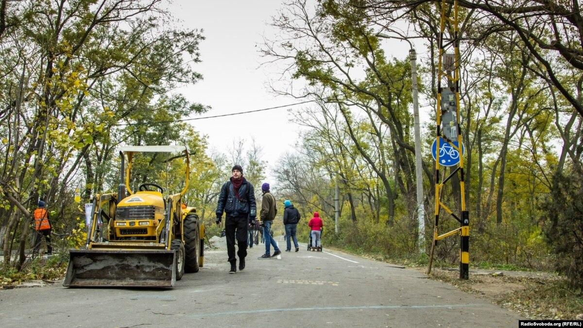 Кабмин решил привлечь 450 млн евро кредита от европейского банка для строительства дорог