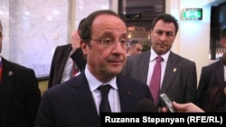 Франция президенти Франсуа Олланд Озодликка интервью бермоқда, Ереван, 2014 йилнинг 12 майи.