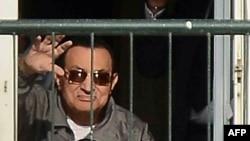 Египеттің бұрынғы президенті Хосни Мүбәрак Каирдегі әскери госпитальда. Қараша, 2014 жыл.