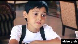 Yosh aktyor Bunyod Rahmatullayev.
