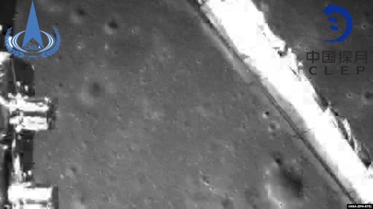 """Китайский аппарат """"Чанъэ-4"""" совершил успешную мягкую посадку на обратной стороне Луны"""