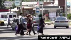 Яке аз кӯчаҳои шаҳри Душанбе