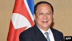 Ли Ен Хо, Солтүстік Корея сыртқы істер министрі.