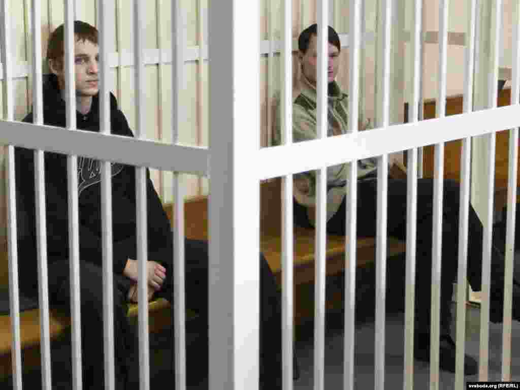 Belarus – The trial of the political prisoners Zmitser Daskevich, Eduard Lobau. Minsk, 22Mar2011 - Зьміцер Дашкевіч, Эдуард Лобаў. Суд.