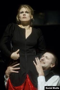Євгенія Гладій у виставі «Євген Онегін» режисера Йонаса Вайткуса . Фото Дмитра Матвеєва