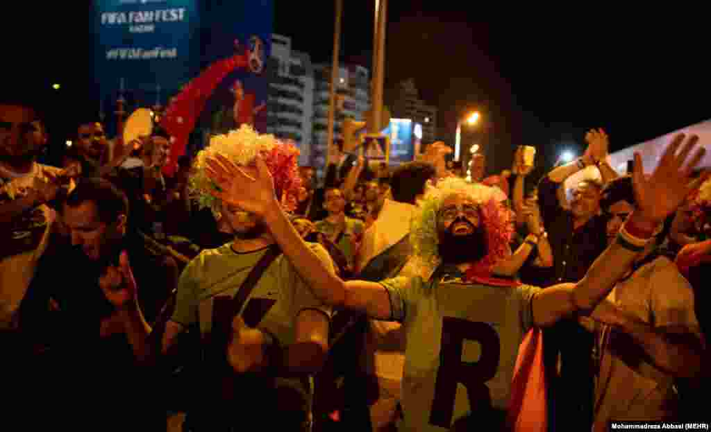 خوشحالی هواداران تیم ملی فوتبال ایران