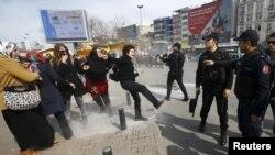 Protest za Dan žena