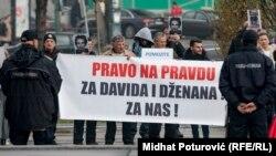 Ispred Parlamenta BiH