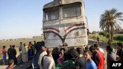 این حادثه ریلی در نزدیکی روستای مندره در استان مرکزی اسیوط مصر در حدود ۳۵۰ کیلومتری جنوب قاهره پایتخت مصر رخ داده است.