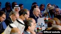 Быел Ислам хезмәттәшлек оешмасы саммитында Беларус президенты Александр Лукашенко (уртада) да катнашты