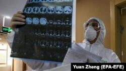 Причиною неоднозначних повідомлень могло стати намагання влади Китаю контролювати подання інформації про смертельні випадки (фото ілюстративне)