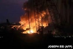 Portul in flăcări, după două explozii puternice, Beirut, 4 august 2020.
