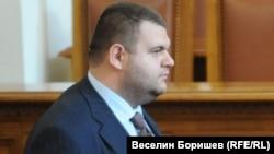 Делян Пеевски в парламента.