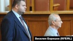 Делян Пеевски и почетният председател на ДПС Ахмед Доган в годините, когато и двамата ходеха в Народното събрание.