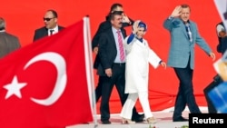 رجب طیب اردوغان و همسرش، امینه