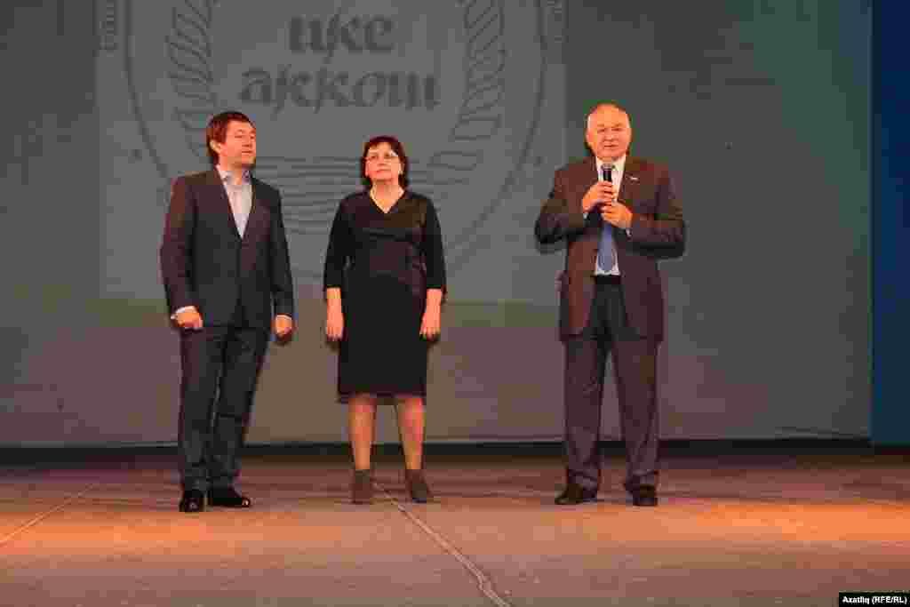Айдар Галимов (c), Римма Үтәшева һәм Илдар Гыйлметдинов