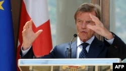 «Начните диалог с Россией», - таким стал главный посыл главы МИДа Франции во время его визита в Тбилиси