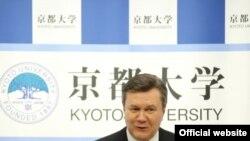 Віктор Янукович під час візиту до Японії
